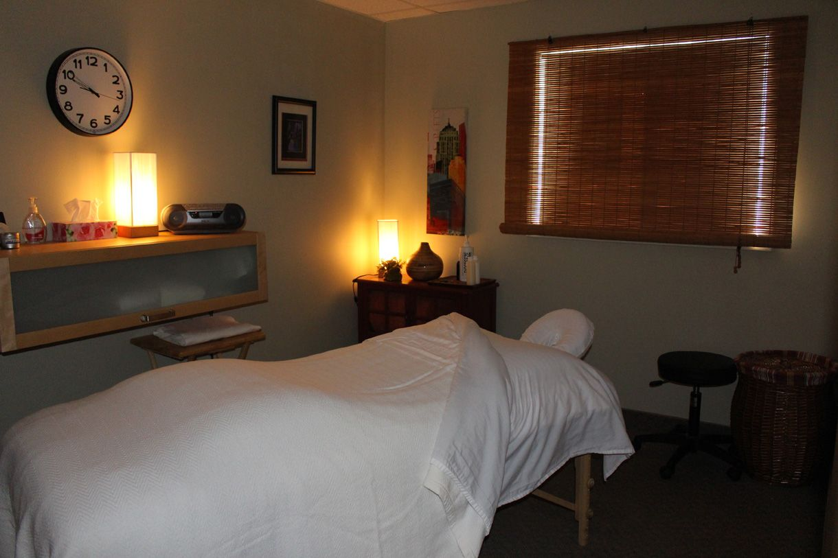 Massage therapy room 1